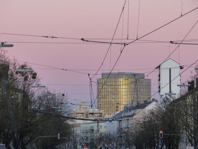 Rosa Himmel über München