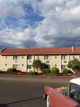 GC1: Grand Canyon Inn & Motel (Valle, AZ)