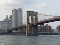 Von Pier 1 des Brooklyn Bridge Parks aus Richtung Manhattan